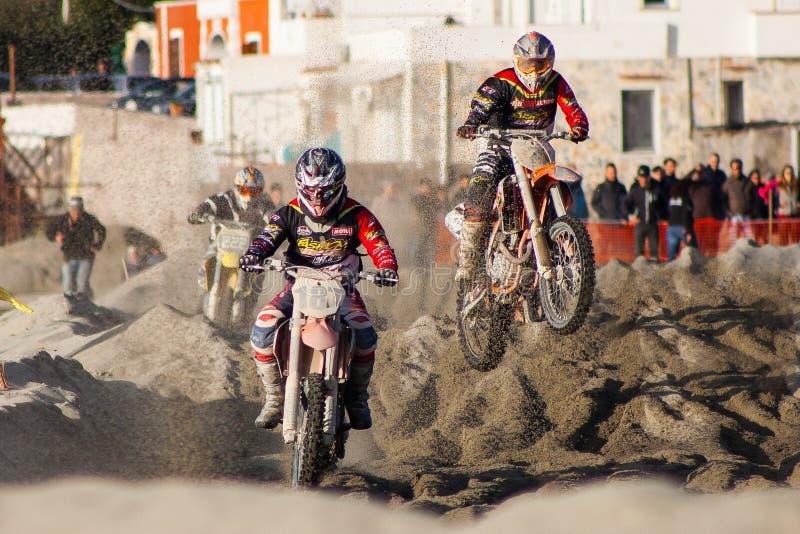 Motocross na praia imagens de stock