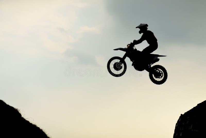 Download Motocrosscyklist fotografering för bildbyråer. Bild av cirkulering - 78730259