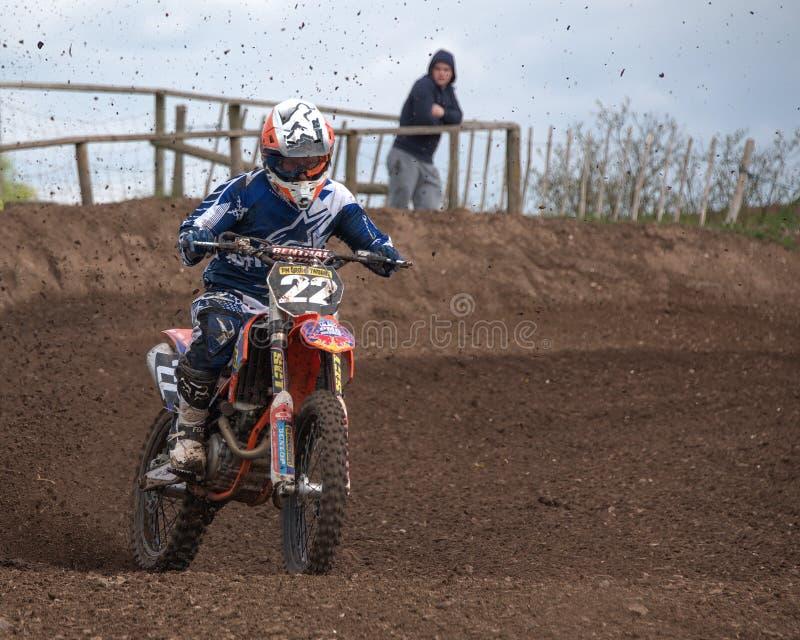 Motocrossraceauto royalty-vrije stock fotografie