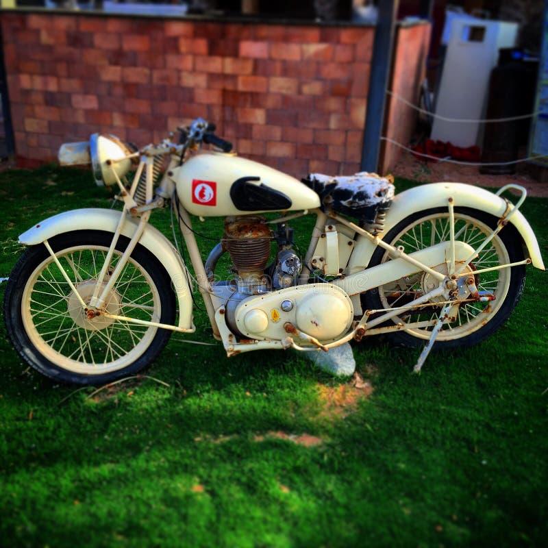 Motocyclette plus ancienne photographie stock