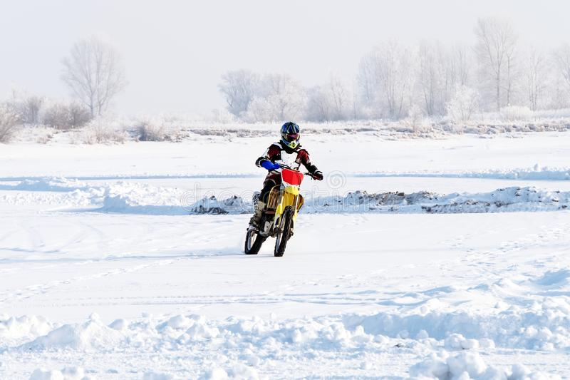 motocykl jeździ motocyklem fotografia royalty free