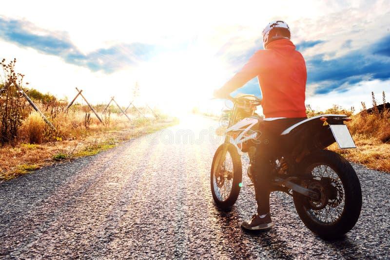 Motocykle w zachodzie słońca zdjęcie stock