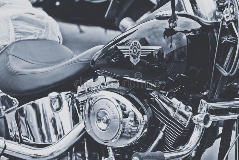 Motocyklu chromowany parowozowy czarno biały zdjęcie royalty free