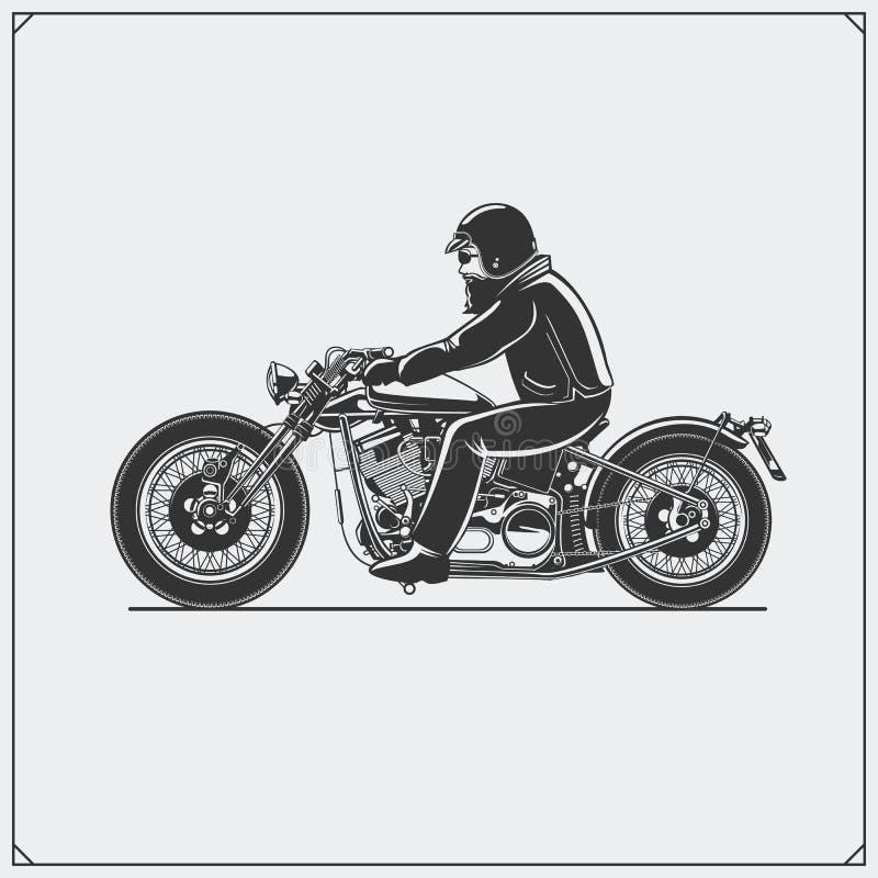 Motocyklu jeździec z biegowym hełmem na motocyklu Emblemat rowerzysty klub ilustracyjny lelui czerwieni stylu rocznik royalty ilustracja