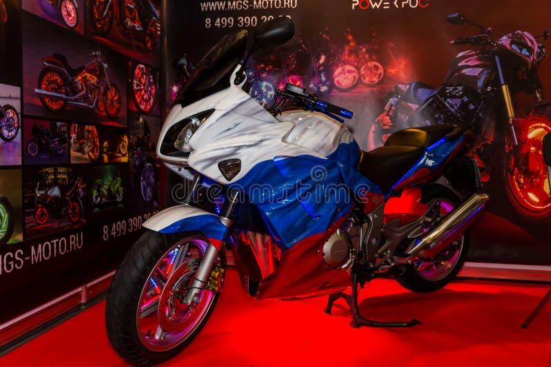 Motopark-2015 (bikePark-2015) MGS-Moto De motorfiets (sportbike) is geschilderd in de kleuren van de Russische Vlag stock foto's