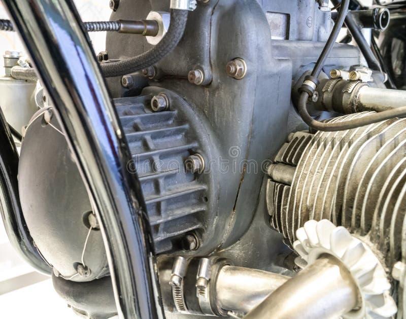 Motor da motocicleta - detalhe de um mecânico foto de stock royalty free