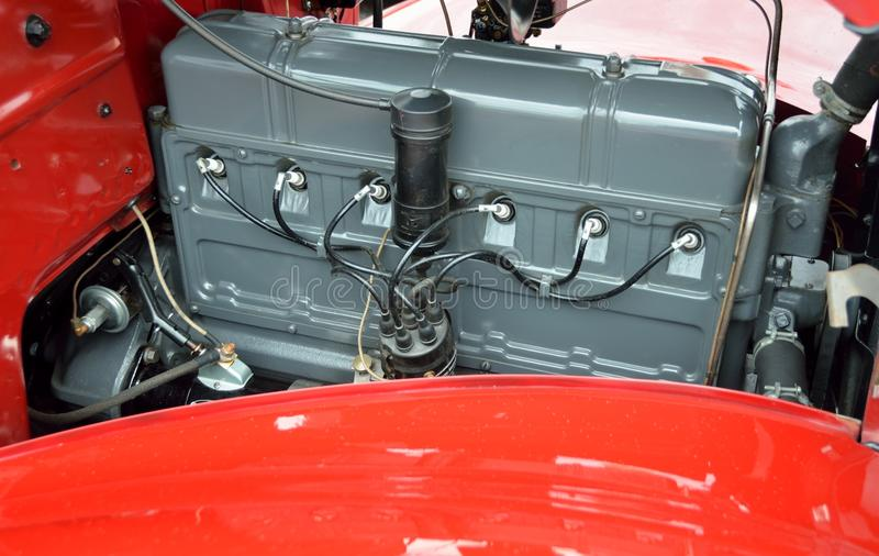Motor de automóveis restaurado do vintage fotos de stock