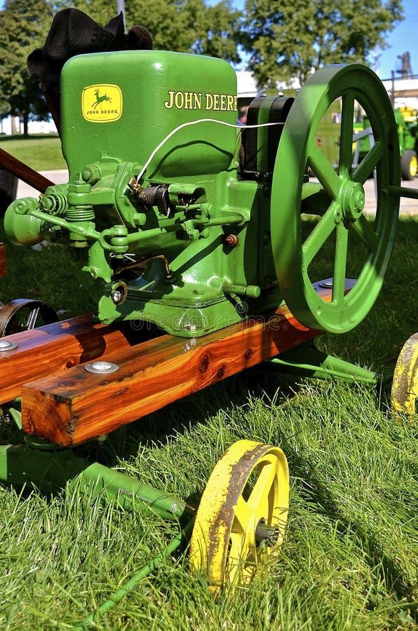 Motor de gas antiguo restaurado de John Deere fotografía de archivo