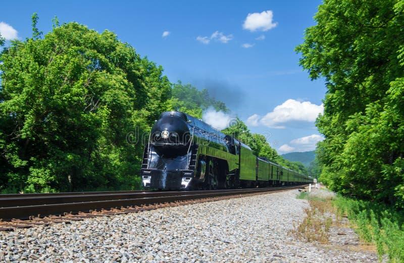 Motor de la clase J611 de N&W que vuelve a Roanoke, VA fotos de archivo libres de regalías