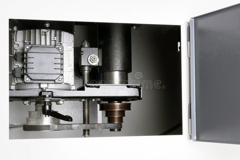 Motor de la máquina en la caja fotos de archivo