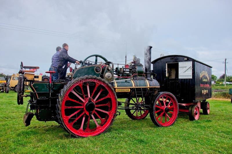 Motor de tracción del vapor de Allchin en la reunión del vapor fotos de archivo