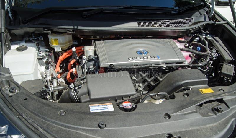 Motor de um carro da célula combustível do hidrogênio de Toyota Mirai foto de stock
