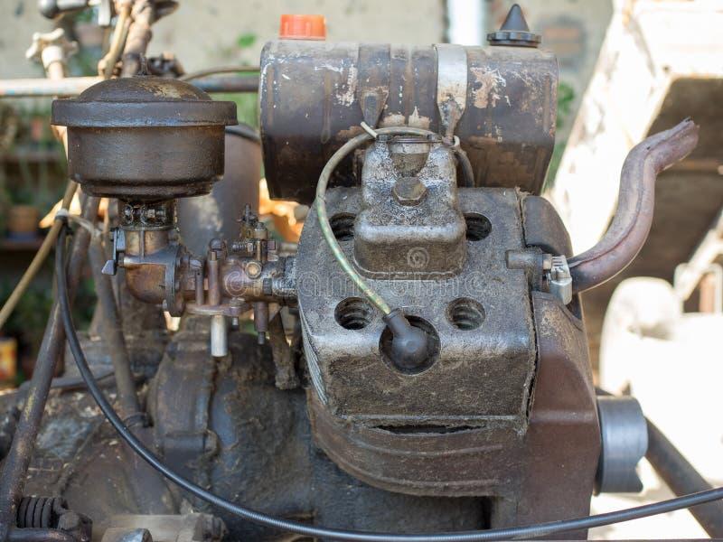Motor del cortacésped del vintage BCS 622 en Milán foto de archivo