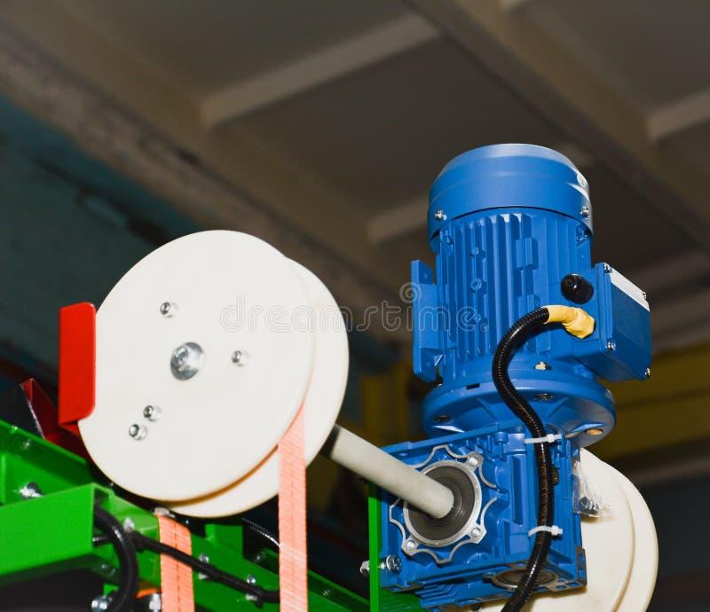 Motor eléctrico en una máquina de la producción foto de archivo libre de regalías
