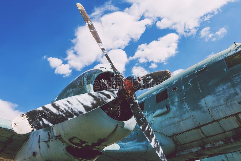 Motor lateral da hélice de um avião grande imagem de stock