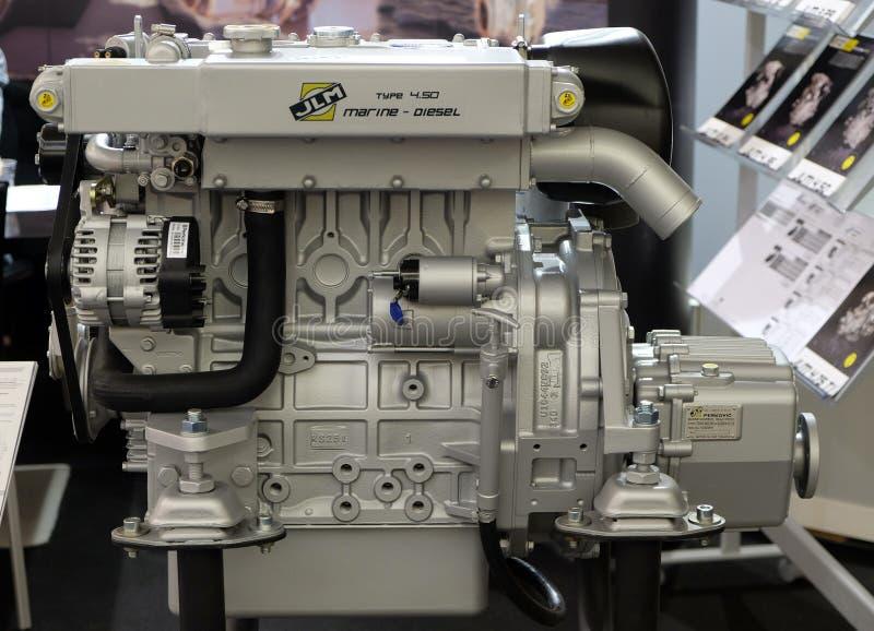 Motor moderno usado en la industria marítima exhibida en la demostración del barco de Zagreb fotos de archivo