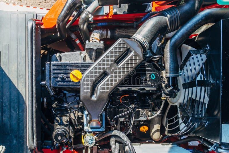 Motor novo moderno da olá!-tecnologia do carregador ou do trator pequeno Vista superior fotografia de stock royalty free