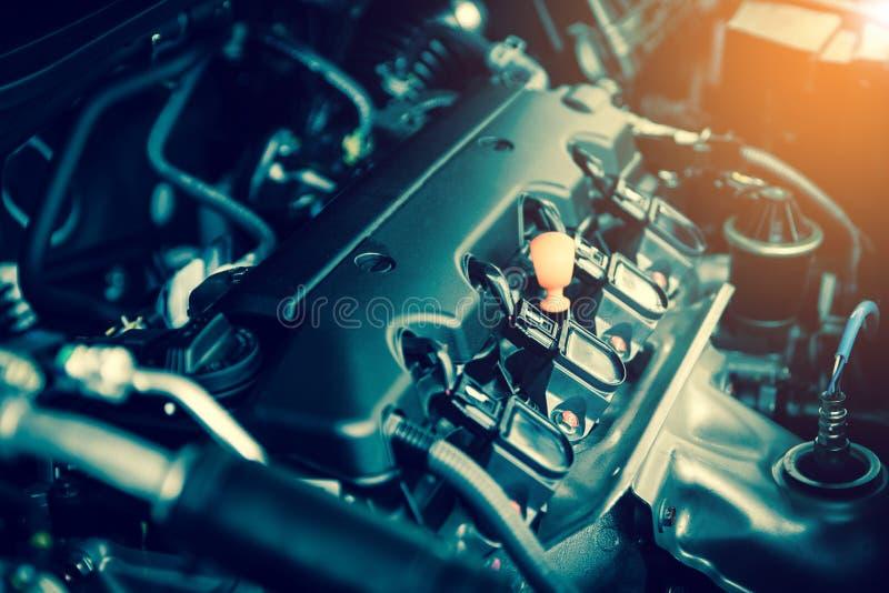 Motor poderoso de um carro O projeto interno do motor com arde imagens de stock