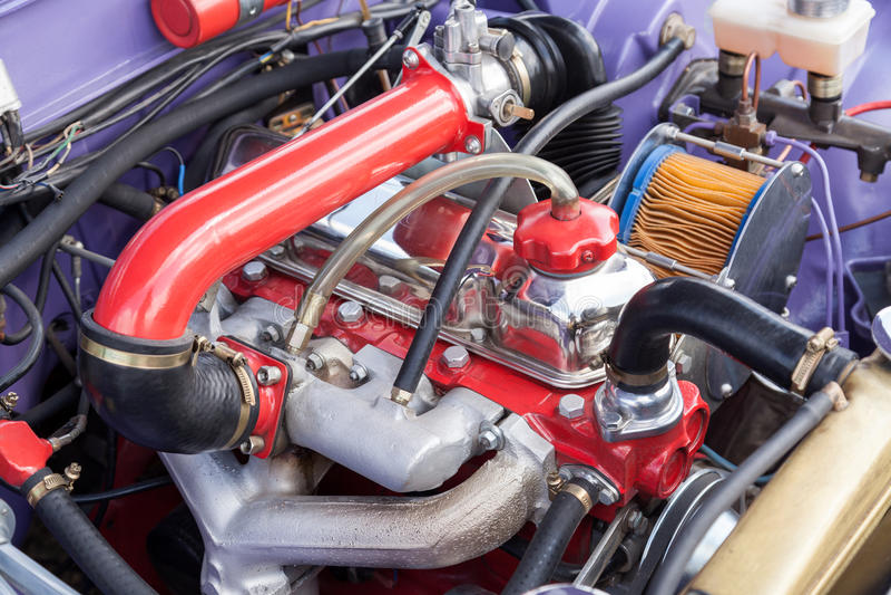 Motor restaurado de um carro velho imagem de stock royalty free
