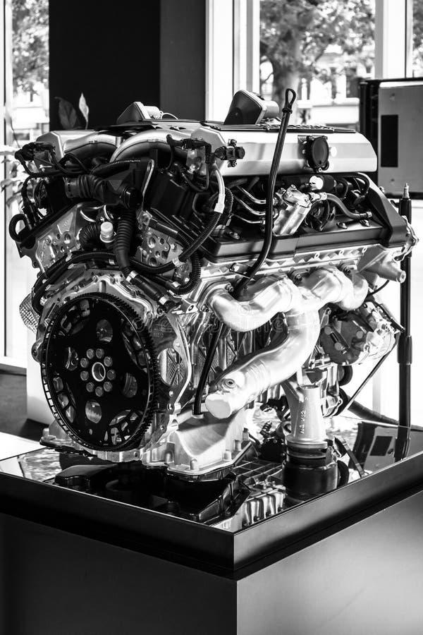 Motor V12 DOHC (BMW N73) da Rolls royce fotos de stock royalty free