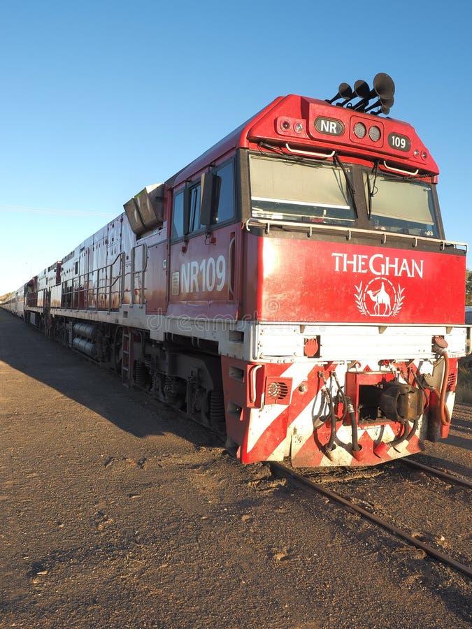 Motor van de beroemde Ghan-spoorweg stock foto's