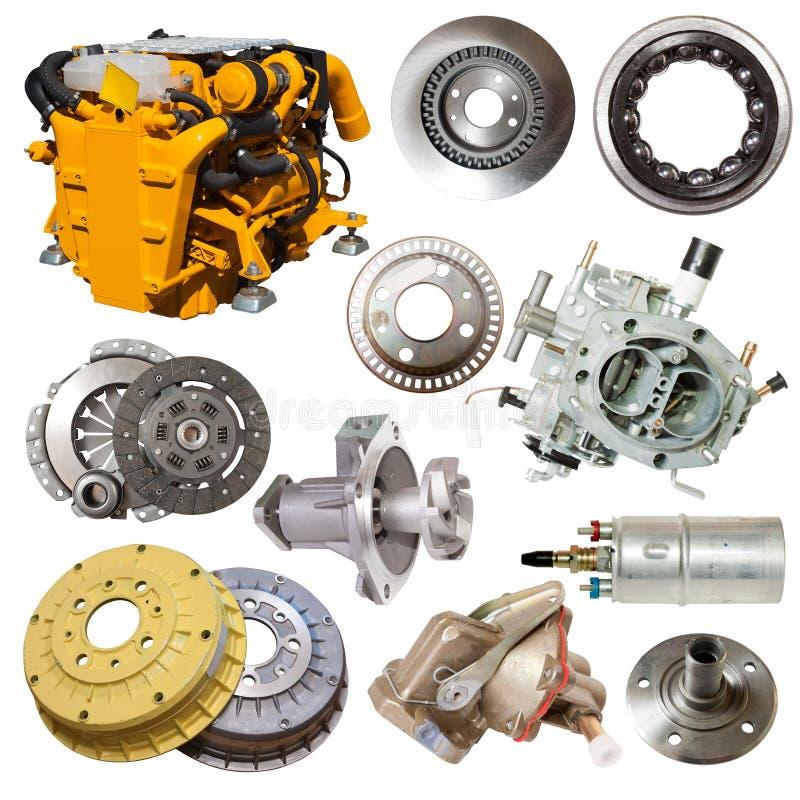 Motor y pocas piezas automotrices imagen de archivo