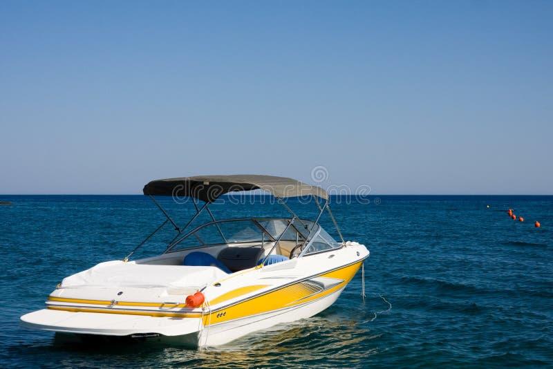 Motorboot in een overzees royalty-vrije stock foto