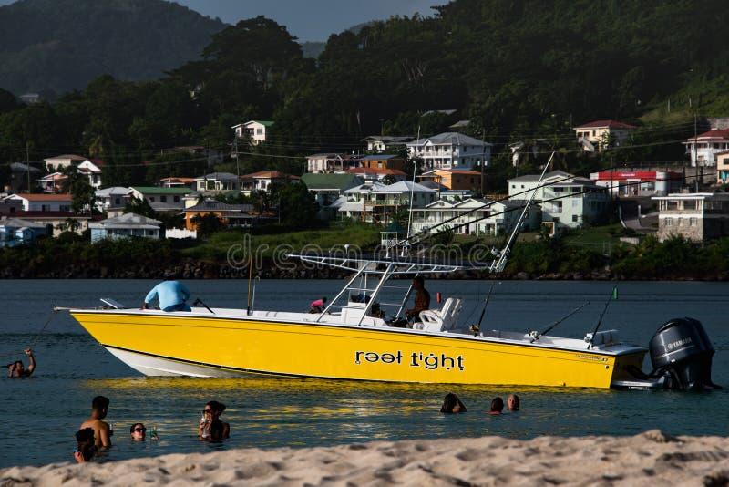 Motorboot en studenten royalty-vrije stock afbeelding