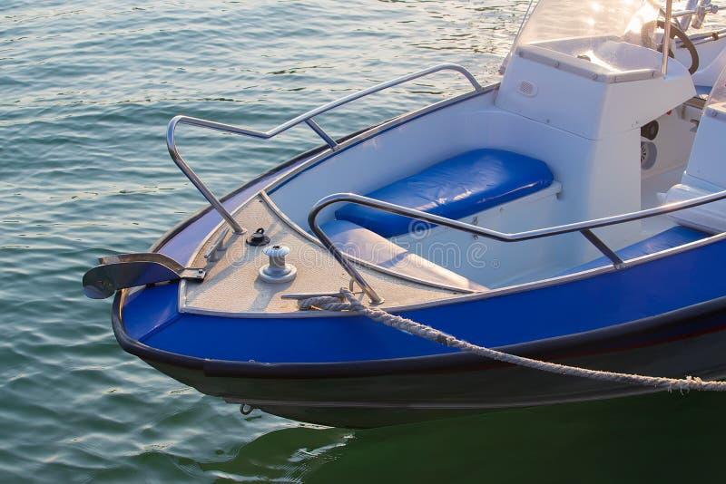 Motorboot op het overzees stock afbeeldingen