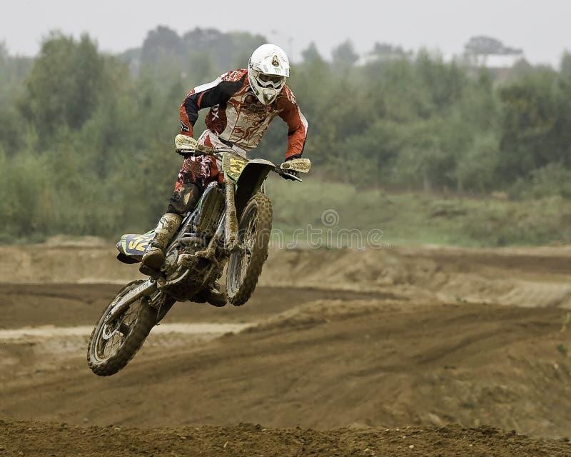 Motorcross Mitfahrer lizenzfreie stockfotos