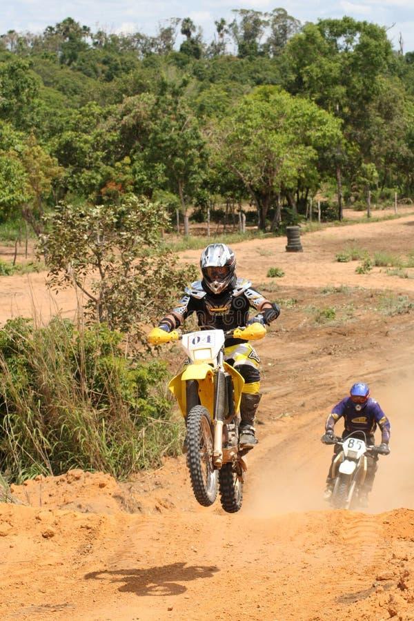 Motorcross Mitfahrer auf Motorrad im Rennen stockfoto