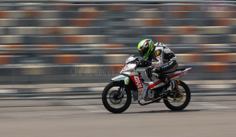 Motorcycle Racer On Silver Motorcycle Free Public Domain Cc0 Image