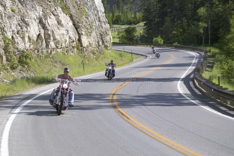 Motorcyclists som kör huvudvägarna arkivfoton