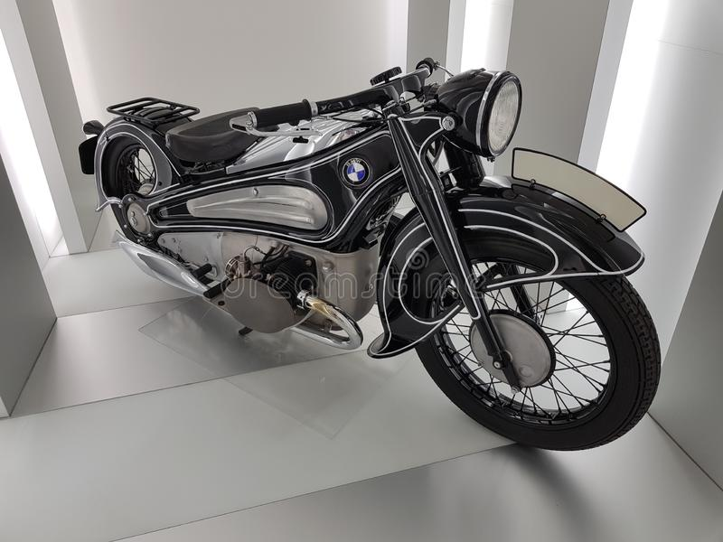 Motorcykel i BMW museet royaltyfri foto