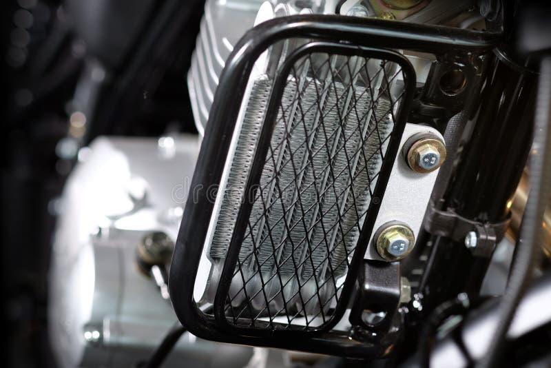 Motorcykelns oljekylare arkivbilder