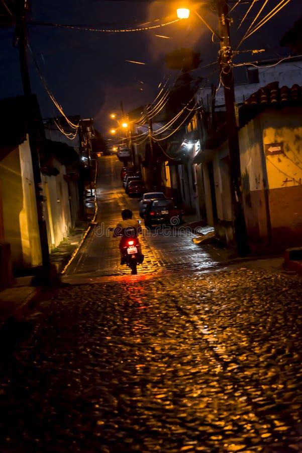 Motorcyklist San Cristobal de Las Casas, Chiapas, Mexico royaltyfri bild