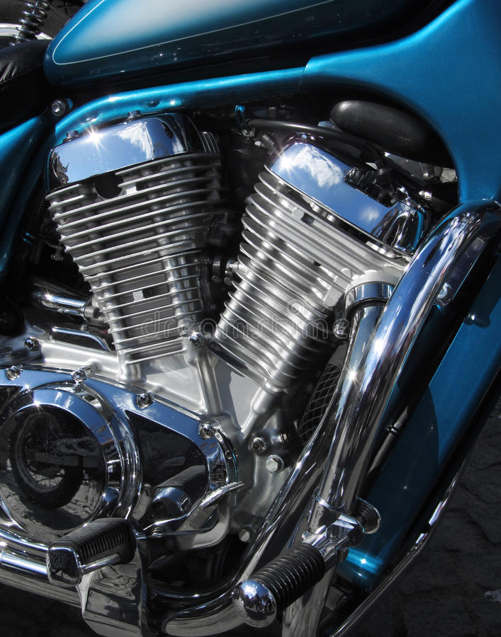 Motore cromato della motocicletta V2 fotografia stock libera da diritti