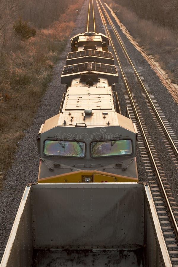 Motore del treno da Sopra-Verticale fotografie stock libere da diritti