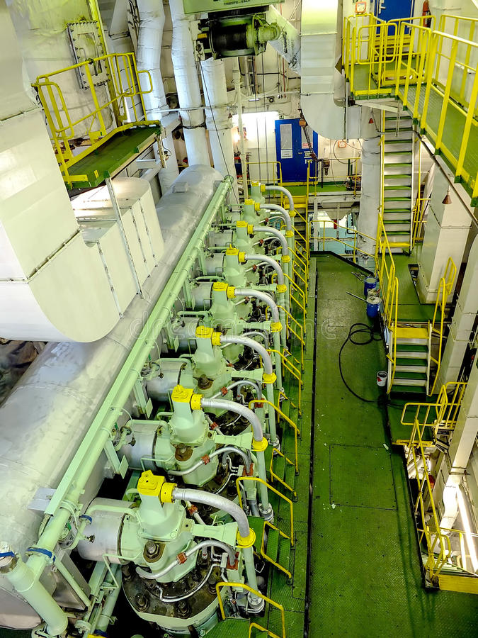 Motore dentro una nave fotografia stock