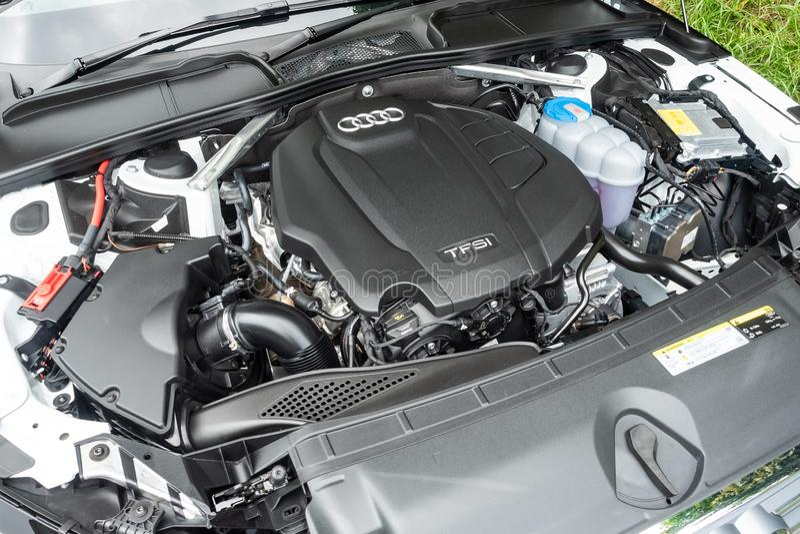 Motore di Audi A4 Avant 40 immagine stock libera da diritti