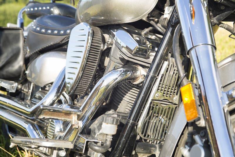 Motore ed altre parti del cromo del motociclo fotografie stock libere da diritti