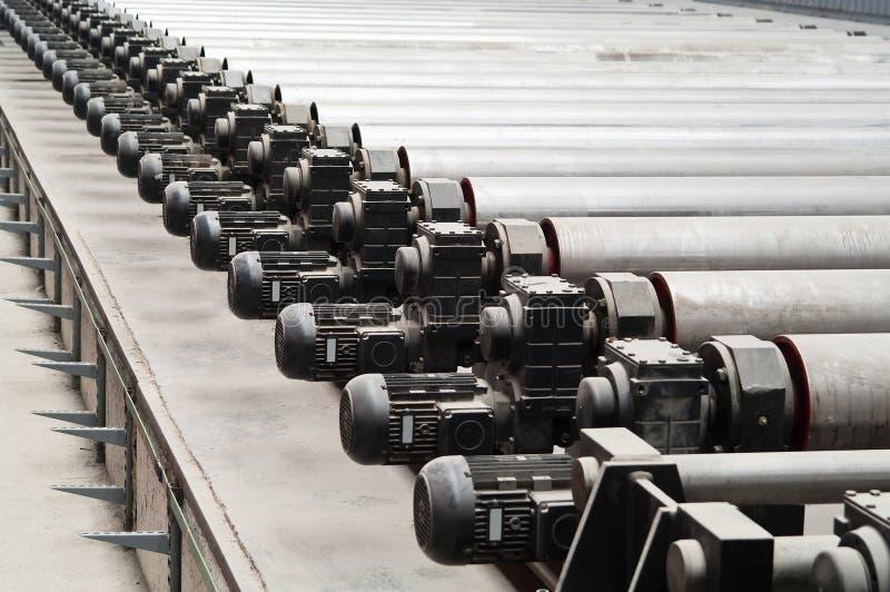 Motores del laminador en fábrica imagen de archivo libre de regalías