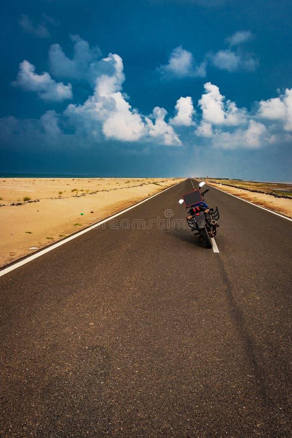 Motorfiets die liefde met bericht bevrijden stock foto's