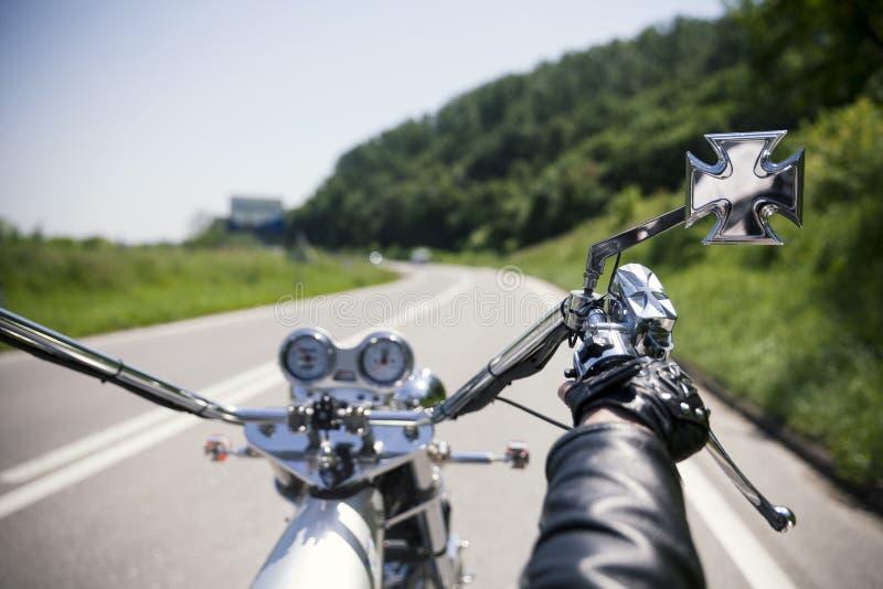 Motorfietsbestuurder stock fotografie