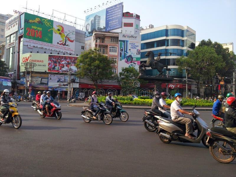 motorfietsen in Saigon stock afbeeldingen
