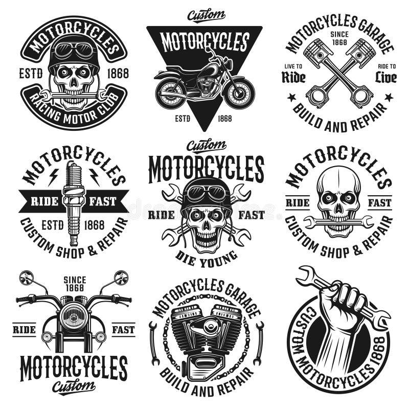Motorfietsenreeks van negen vector uitstekende emblemen vector illustratie
