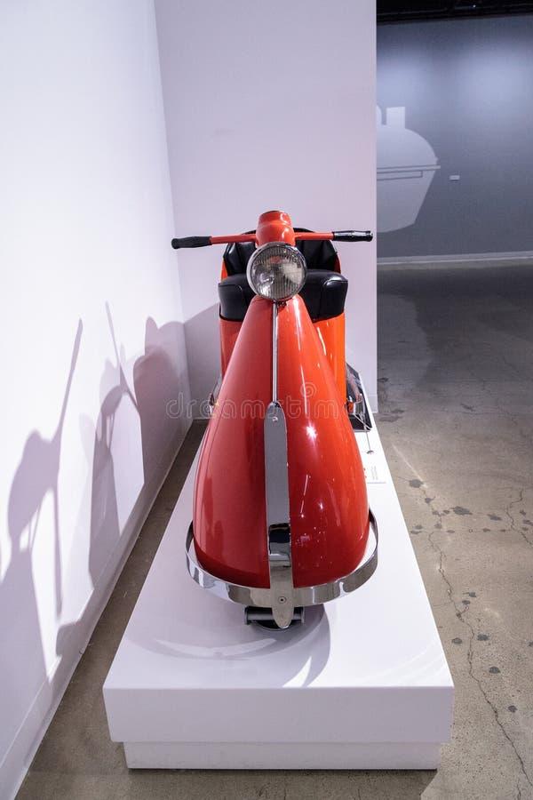Motorino aerodinamico 1947 del modello 85 di Salsbury dell'arancia fotografie stock libere da diritti