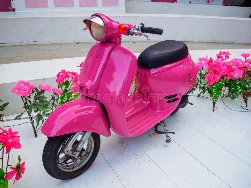 Motorino rosa immagine stock libera da diritti