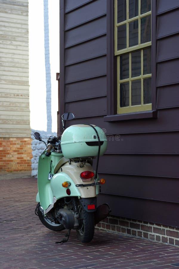 Motorisk sparkcykel arkivbild