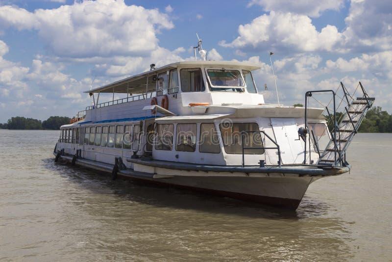 Motoriskt skepp royaltyfria bilder